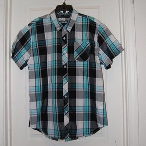 Zoo York plaid short-sleeved button up shirt